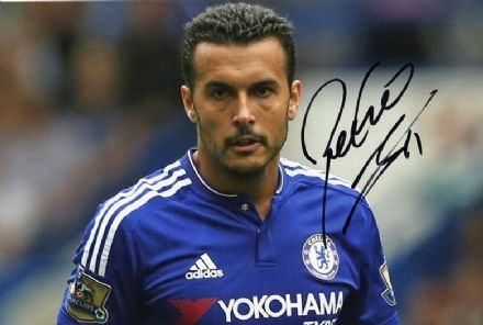 Pedro, Chelsea & Spain, signed 12x8 inch photo.